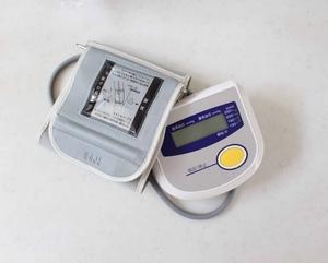 上腕血圧計.jpg